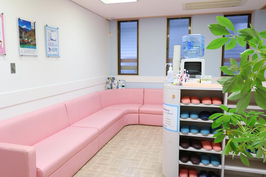 いちじま歯科医院待合室